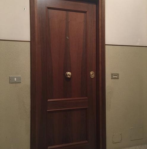 16 Vignali Simone Infissi-Style Porta blindata style legno