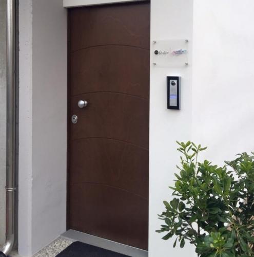 17 Vignali Simone Infissi-Style Porta blindata style legno