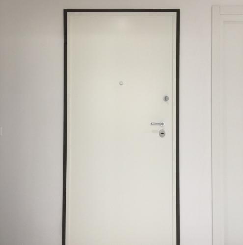 10 Vignali Simone Infissi-Style Porta blindata style personalizzato