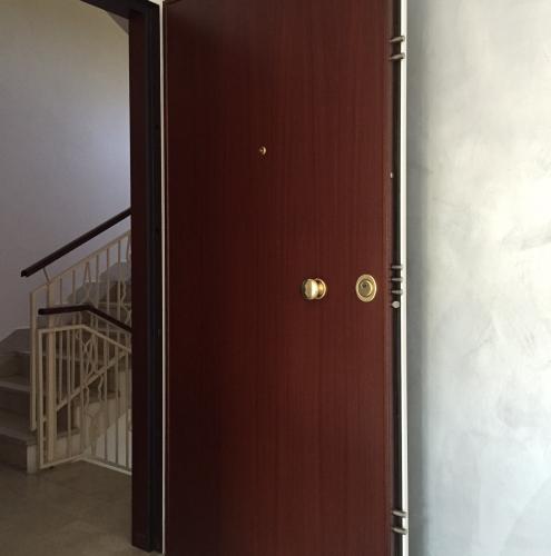 12 Vignali Simone Infissi-Style particolare Porta blindata