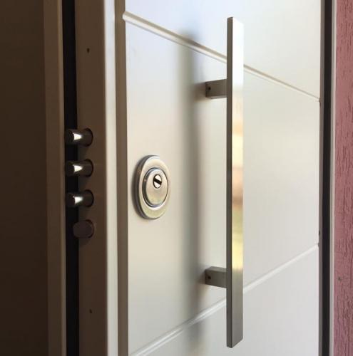 16 Vignali Simone Infissi-Style particolare Porta blindata