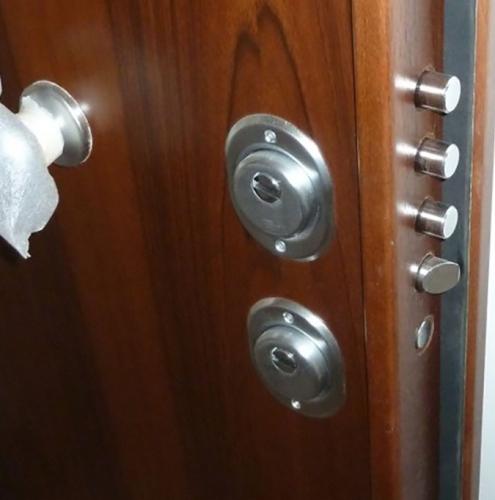 19 Vignali Simone Infissi-Style particolare Porta blindata
