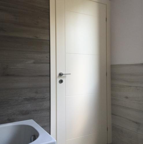 19 Vignali Simone Infissi-Style Porta interna style personalizzato