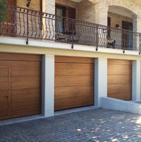 02 Vignali Simone Infissi-Style Portone per garage style legno