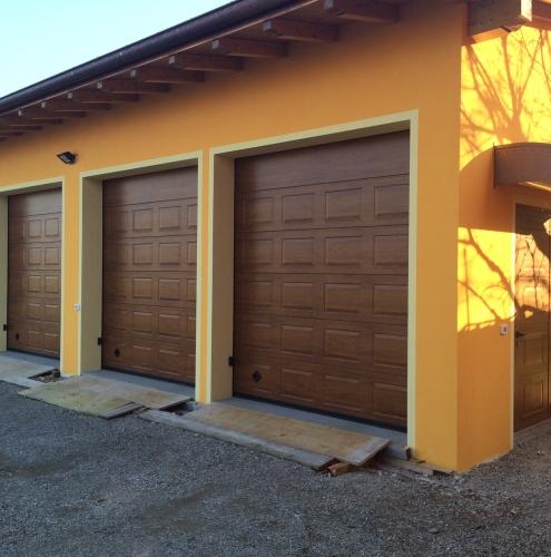 04 Vignali Simone Infissi-Style Portone per garage style legno