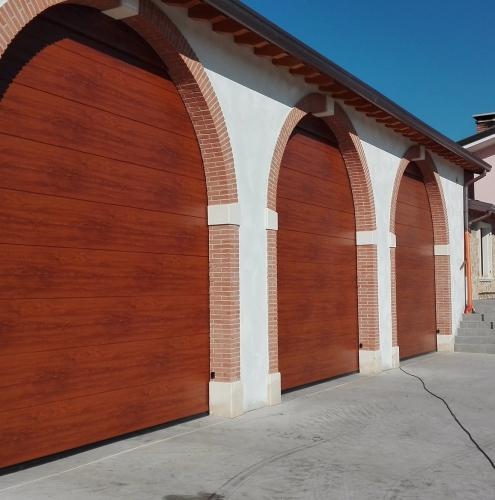 09 Vignali Simone Infissi-Style Portone per garage style legno