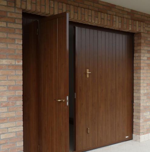 10 Vignali Simone Infissi-Style Portone per garage style legno
