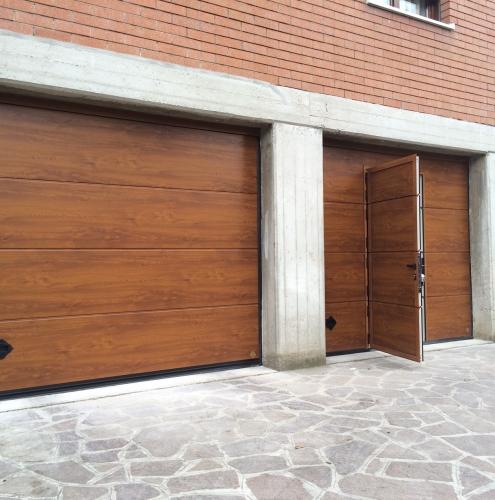 12 Vignali Simone Infissi-Style Portone per garage style legno