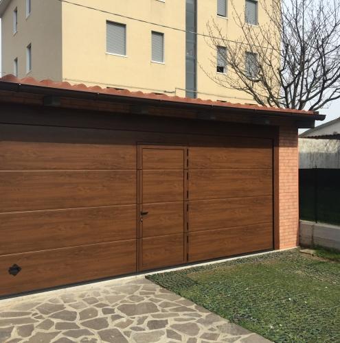14 Vignali Simone Infissi-Style Portone per garage style legno