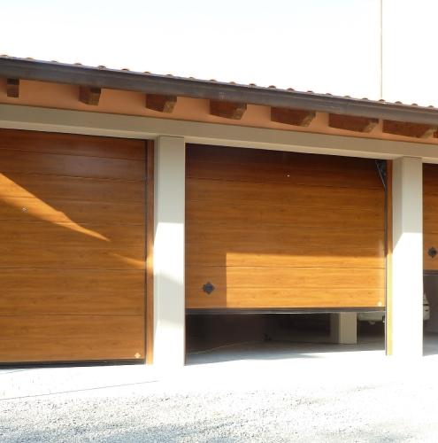 15 Vignali Simone Infissi-Style Portone per garage style legno