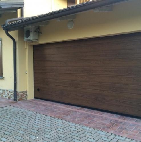 18 Vignali Simone Infissi-Style Portone per garage style legno