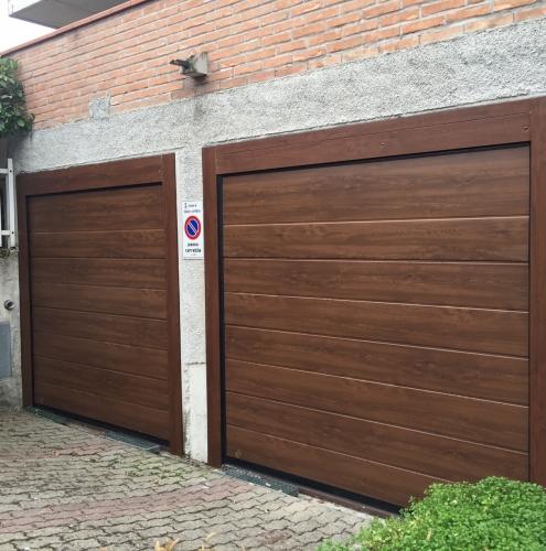 19 Vignali Simone Infissi-Style Portone per garage style legno