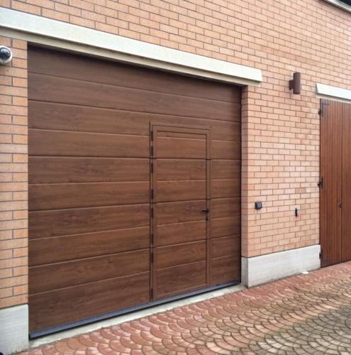 25 Vignali Simone Infissi-Style Portone per garage style legno