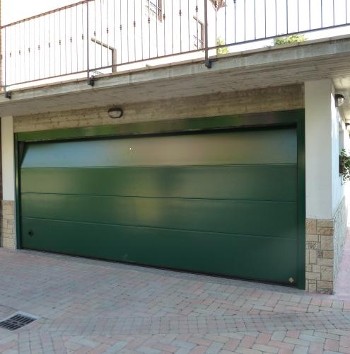 10 Vignali Simone Infissi-Style Portone per garage style personalizzato