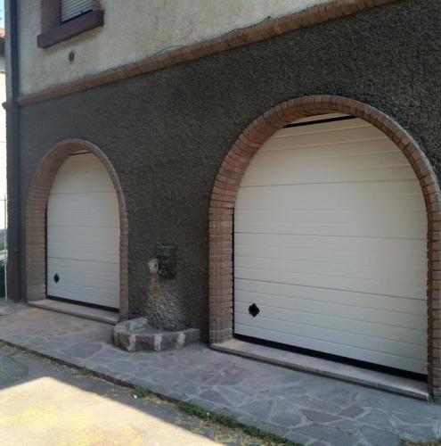 16 Vignali Simone Infissi-Style Portone per garage style personalizzato