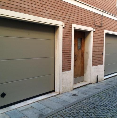22 Vignali Simone Infissi-Style Portone per garage style personalizzato