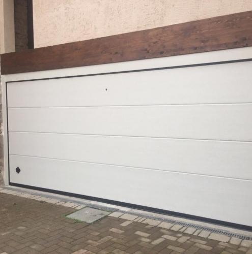 27 Vignali Simone Infissi-Style Portone per garage style personalizzato