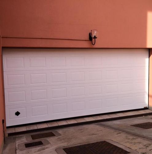 28 Vignali Simone Infissi-Style Portone per garage style personalizzato