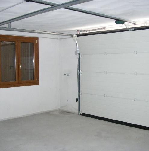 09 Vignali Simone Infissi-Style Portone per garage particolari